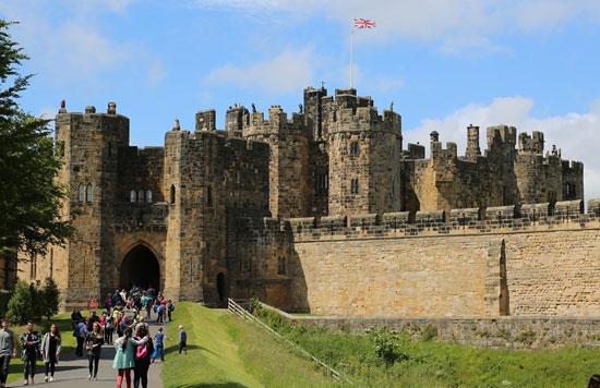 post image Dream Destinations for Wedding Photos Alnwick Castle - Dream Destinations for Wedding Photos